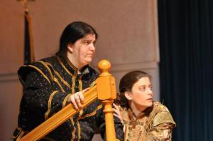 """Leandra Lynn and Arielle Seidman as """"Hamlet"""" and """"Horatio"""" in """"Hamlet"""""""